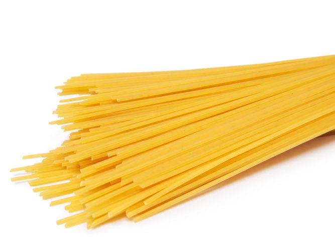 nom-des-pâtes-italiennes-différence-capellini-spaghettis-plates-capellini-bolognaise