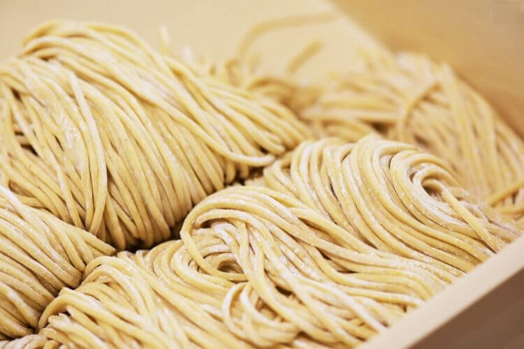 udon-recette-udon-maison-udon-ramen-udon-restaurant-udon-calories-nouilles-udon-soupe-udon-yaki-udon-faire-ses-nouilles-chinoises-nouille-chinoise-maison-sans-machine-faire-des-nouilles-maison-nouilles-tirees-a-la-main-comment-faire-des-nouilles-chinoises-recette-nouille-chinoise-farine-de-riz-recette-lamian-maison